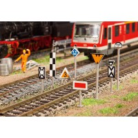 120226 Faller Set spoorbaanborden