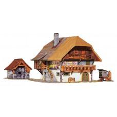131379 Faller Schwarzwaldboerderij