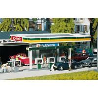 130346 Faller Overdekte benzinepompen