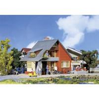 131225 Faller Huis met balkon