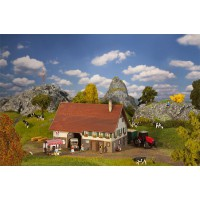 190049 Faller Zwitserse biologische boerderij Exclusief Zwitserland