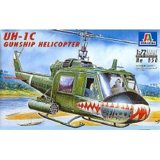 050 Italeri Helikopter UH-1C Gunship Helicopter